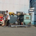 工作機械・残置物の搬出中