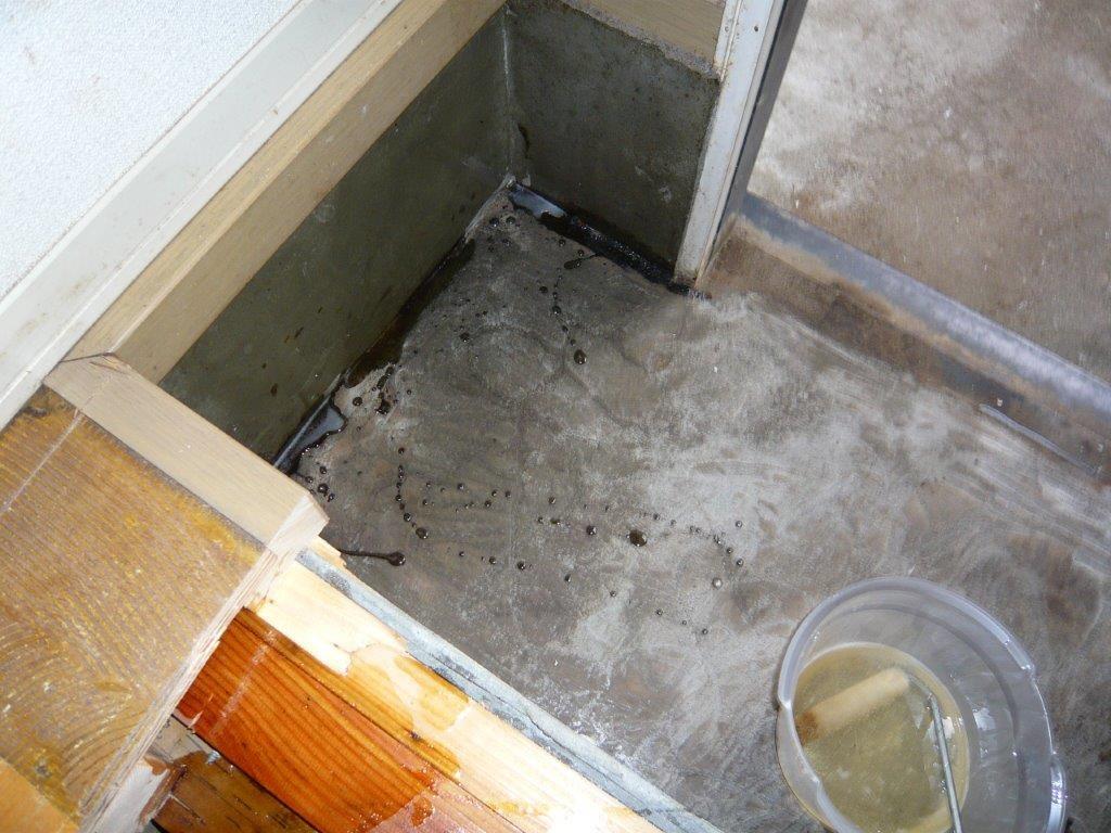 床の解体作業後