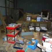 工場内の残置物