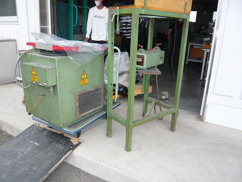 工作機械の搬出作業