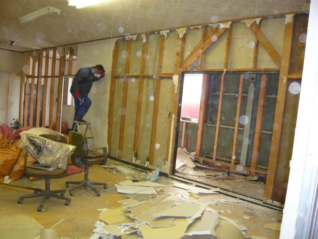 事務所の解体工事中