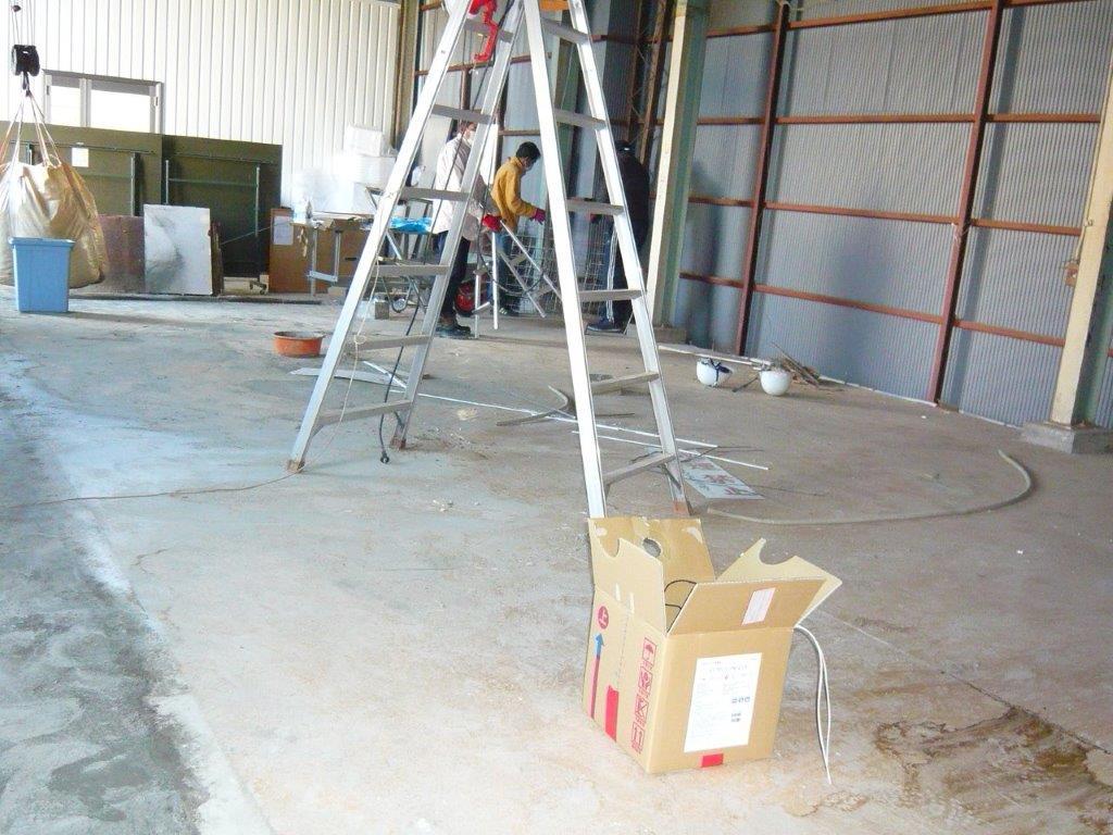 倉庫内事務所の解体後